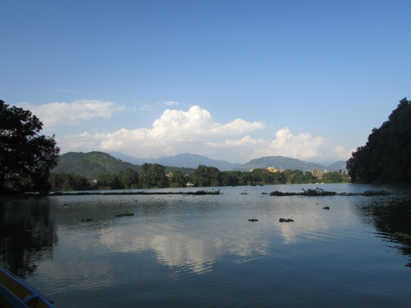 Lake Pokhara - an afternoon punt